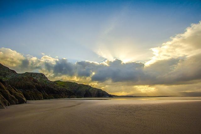 ザ・ビーチを見て撮影地である綺麗すぎるビーチを持つピーピー・レイ島へ行きたくなった