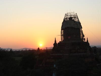 【サンセット】バガンで夕陽が綺麗に見える2つのポイント