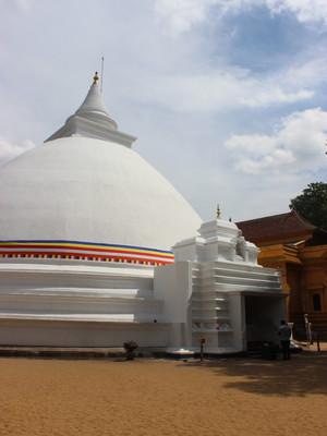 【スリランカ】ブッダも3回訪れたことのあるコロンボ郊外のケラニ・ラジャ・マハ・ヴィハーラヤまでローカルバスで行く方法