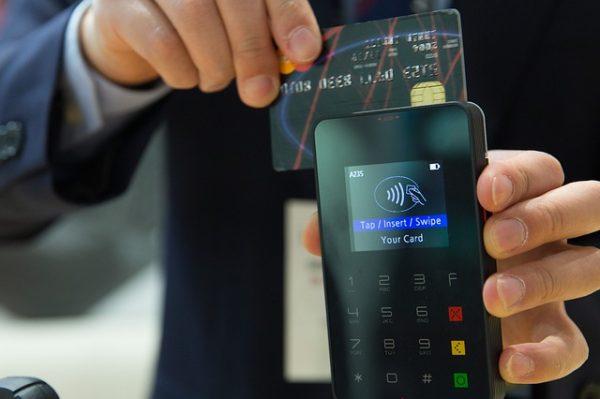 iD・quickpay付きのクレジットカードが便利すぎる件