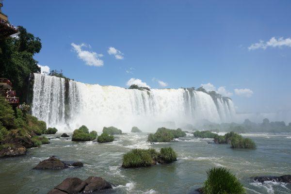【安くバスで行く】ブラジル側のイグアスの滝の行き方&ATMの使い方