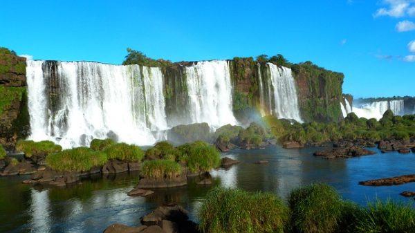 【イグアスの滝】約150円でアルゼンチンとブラジルの国境を陸路移動する方法