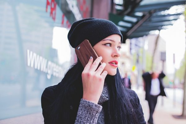 AmazonでSIMカードを買って海外でiPhoneをそのまま使う方法