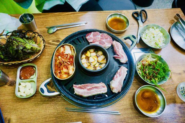 【お勧め!】ソウルで人気のギョプサルが安くて食べ放題のお店を2つ紹介